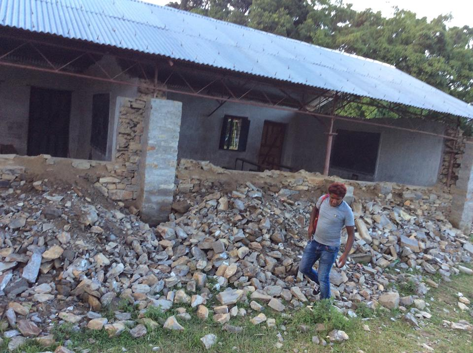 11137163_1603135246611357_6430620930760600968_n Helping Hands For Earthquake Victim