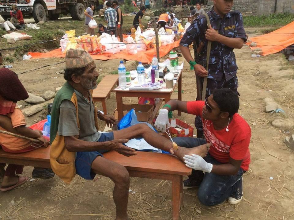 14975945_1615934908707543_45808194_o Helping Hands For Earthquake Victim